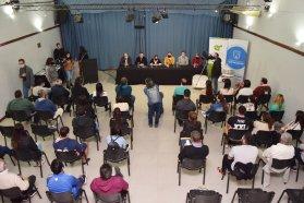 Bahillo entregó la resolución de creación del Parque Industrial San Salvador-General Campos