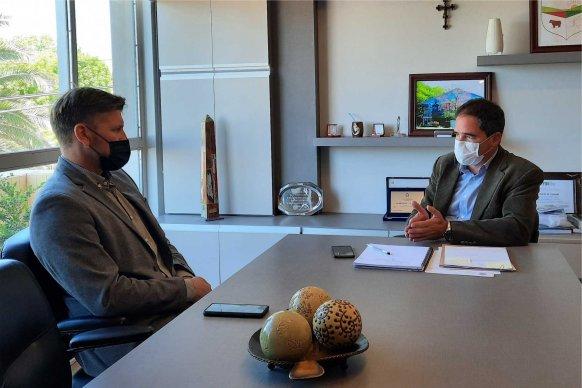 El Becario articula sus programas con empresas y municipios de la provincia