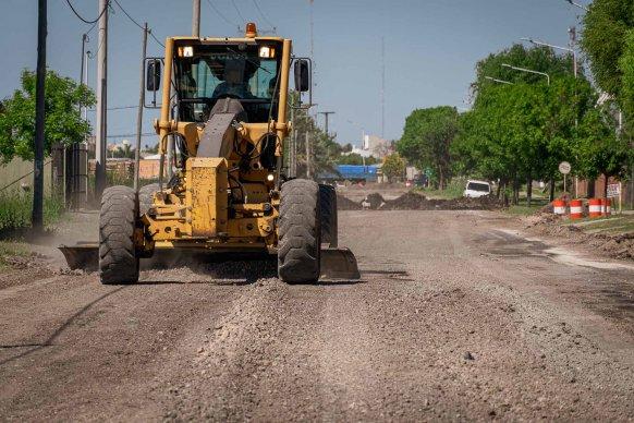 Comenzaron los trabajos de pavimento en el acceso a la Escuela Agrotécnica N° 51 en el departamento Tala