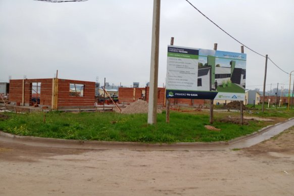Avanza la construcción de viviendas, con recursos propios, en Ceibas y Piedras Blancas
